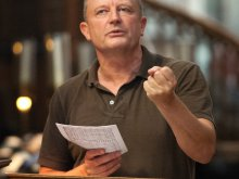 Patrick Hawes conducting in Winchester Cathedral